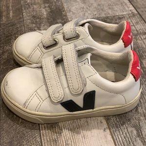 VEJA toddler kids sneakers size 8.5